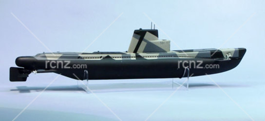 "Dumas - USS Bluefish 33"" Submarine Kit image"